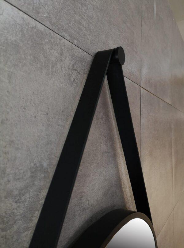 Round decorative mirror in black Talos Black Style bathroom ambience