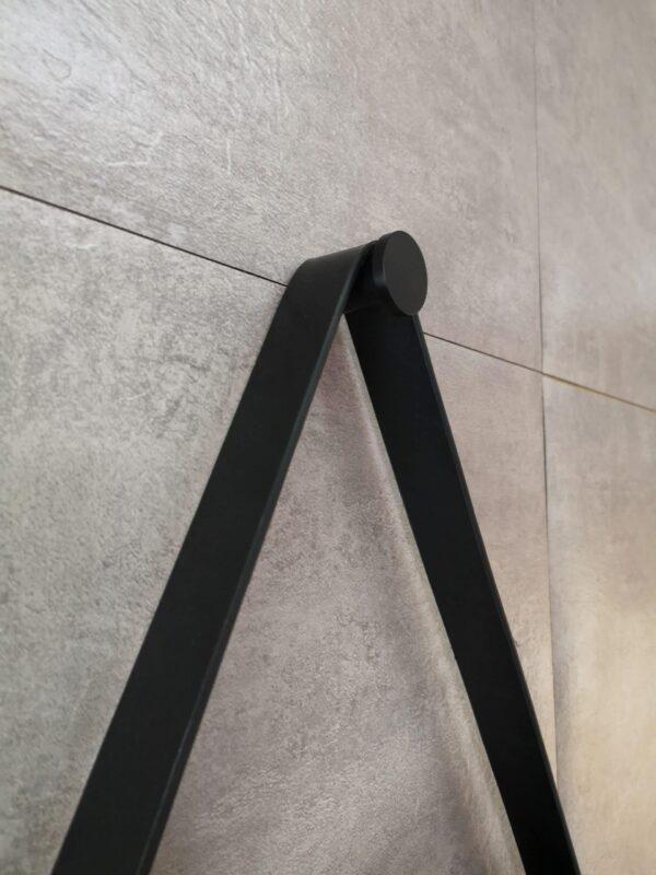 Runder Dekospiegel mit Lederbandoptik Talos Black Style Designhaken
